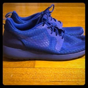 All blue nike running shoes 🔥 Hard to find !